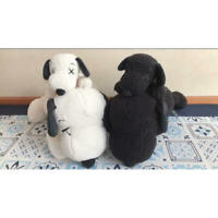 KAWS PEANUTS UNIQLO Limited Black White SNOOPY Plush Doll stuffed M S set 4 Toy