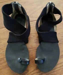 MK MICHAEL KORS Black Leather Neoprene Criss Cross Toe Ring Sandals Flats Sz 6.5