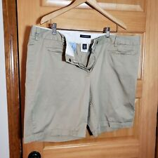 Lands End khaki shorts 18W