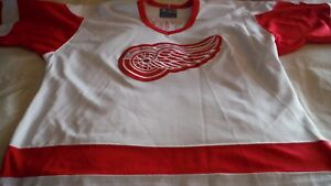 Red Wings semi pro Fetisov by Starter size L