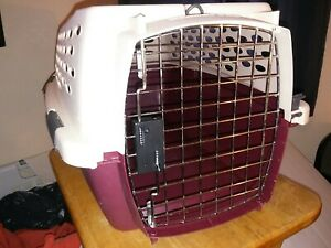 PetMate Dog / Cat Carrier Travel Cage Crate Portable Small Dog Kennel Hard VGC