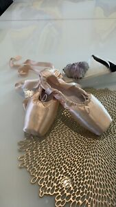 Brand New Adult Pointe Ballet Shoes with Ribbon Lace up Shoes Dance-wear Size 44