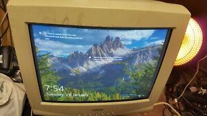 LG Logix 17 inch CRT VGA-VESA Computer Display Monitor - Gaming Vintage