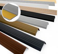 Nez de marche profil d'angle PVC autoadhésif 40x25mm antidérapant 80-200cm QUEST