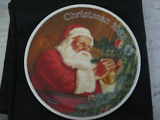 Knowles 1987 Santa's Golden Gift Collectors Plate