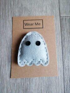 A Cute Handmade Grey felt ghost brooch with eyes on card for gift/fun