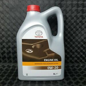TOYOTA PRIUS / PRIUS PLUS / AURIS / YARIS HYBRID ENGINE OIL GENUINE 0W20 5L OIL