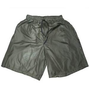 Pantaloncino shorts uomo art.avana 098 monocromatico verde in tessuto semilucido