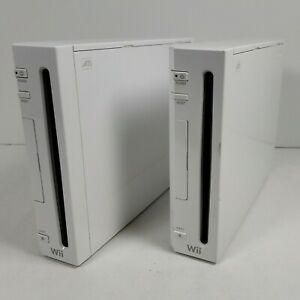(FOR PARTS/REPAIR) 2x Nintendo Wii RVL-001 Consoles Only Non-Working