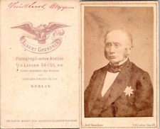 Grundner, Berlin, Un homme nommé Weppen portant une décoration Vintage CDV album