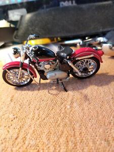 FRANKLIN MINT 1:24 1957 XL SPORTSTER HARLEY DAVIDSON MOTORCYCLE BIKE