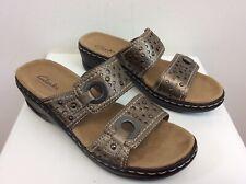 Women's Clarks Bendables Sandals Shoes Metalic Leather Size 6 M