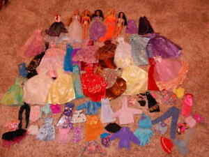 1990'S & 2000'S LARGE LOT BARBIE DOLLS GOWNS CLOTHING SHOES & ACCESSORIES