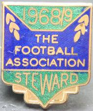 THE FOOTBALL ASSOCIATION 1968-69 STEWARD Badge Brooch pin In gilt 25mm x 29mm