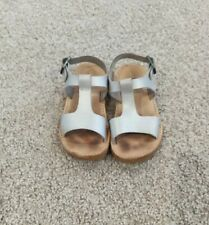 Freshly Picked Malibu sz 7 Toddler Girls Sandals Shoes Leather Silver Guc