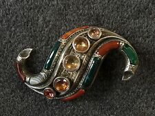 ANTIQUE SILVER SCOTTISH AGATE BROOCH 1880. UNUSUAL SHAPE.