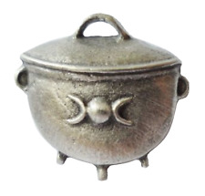 Witches Cauldron Small Pewter Pin Badge