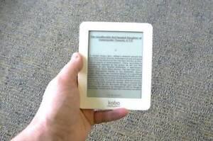 Kobo Mini 2GB Wi-Fi 5in White N705 ereader tablet Very Good Condition UK Seller
