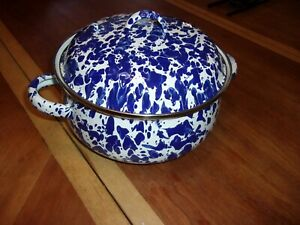 Golden Rabbit Blue and White Swirl Enamelware 1/2 Quart Cookware With Lid Cobalt
