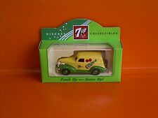 Lledo No 30018 - 7up - Diecast Model Of A Yellow / Green Chevrolet Delivery Van