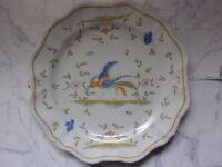"""ASSIETTE décorative ANCIENNE   """"OISEAU """"    signée"""
