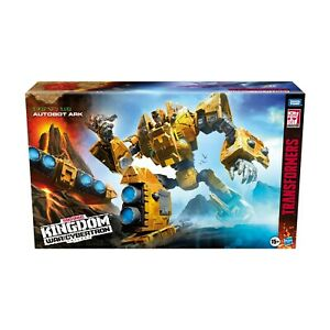 Transformers Generations WFC-K30 Kingdom Titan Autobot Ark Action Figure