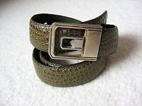 """VINTAGE Embossed Alligator Leather Belt w Gold Buckle - 33"""" Total Length 1"""" Wide"""