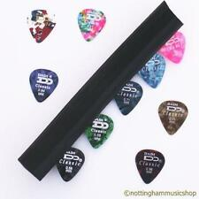 MICROPHONE STAND MIC PICK HOLDER +10  GUITAR PLECTRUMS