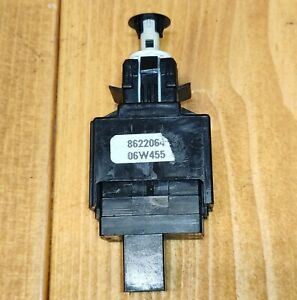 Volvo S60 V70 XC70 S80 XC90 Brake Stop Pedal Switch 8622064