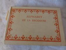 ancien livre alphabet de la Brodeuse DMC vintage couture