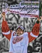 NICKLAS LIDSTROM AUTOGRAPHED RP 8X10 STANLEY CUP PHOTO NHL DETROIT RED WINGS