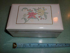 "OTAGIRI JEWELRY MUSIC BOX WHITE PRIMA Lacquerware Plays ""WALTZ OF FLOWERS"" Japan"