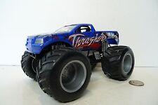 Hot Wheels Monster Jam Blue Thrasher 1:24 Official diecast Monster Truck 2012 !!