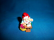 KITCHEN GNOME CRYING SLICING ONIONS Plastic Figure Kinder Surprise ZWERGE LUPIN