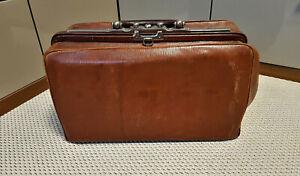 Schöne alte Arzttasche / Arztkoffer aus Leder ca. um 1920, gut erhalten