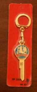 Vintage Vauxhall Velox Envoy Viva Victor Bedford Crest Key
