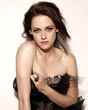 Kristen Stewart Unsigned 8x10 Photo (79)