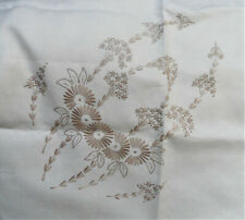 Vintage Madeira work embroidered table linen set; very good condition