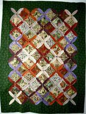 Tenture murale, tableaux, nappe, patchwork, jardin d'antan