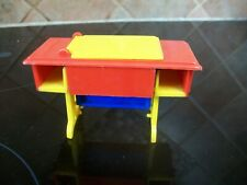vintage plastic doll house furniture sewing machine & table #8001 great britain