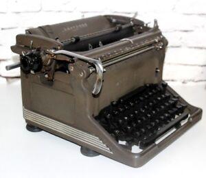 1950's Vintage Underwood Typewriter 11-7382948 | FREE Shipping [PL4163]