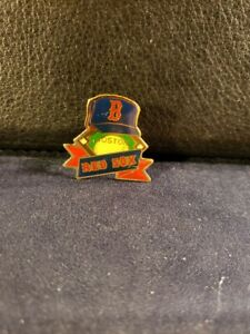 Boston Red Sox Official Ball Cap, Field, and Green Monster Pin