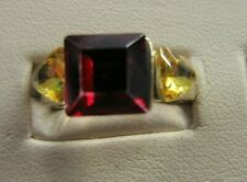 Vintage Harry Potter Gryffindor Red and Yellow Ring Size 7 Gold Tone