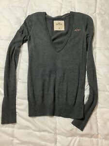 Hollister Women's Sweater -size Medium -gray V Neck