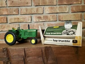 Ertl JOHN DEERE 3020 Toy Farm Tractor, Original Box