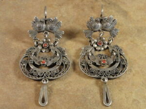 Beautiful Mexican Mexico Sterling Silver & Coral Frida Earrings