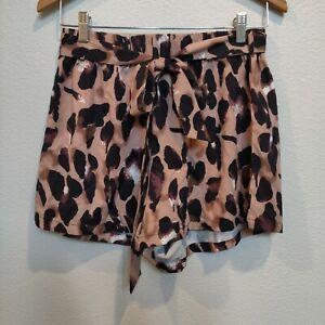 Women's Casual Shorts Size Medium Leopard Print Elastic Waist Belt
