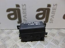 kia sedona 2 9 crdi 2004 under bonnet relay box