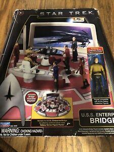 BRAND NEW 2009 PLAYMATES TOYS STAR TREK U.S.S. ENTERPRISE BRIDGE PLAY SET