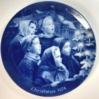 Vintage 1974 Kaiser Christmas Plate Carolers Singing Songs Germany Blue